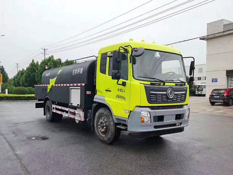 东风天锦清洗车-3
