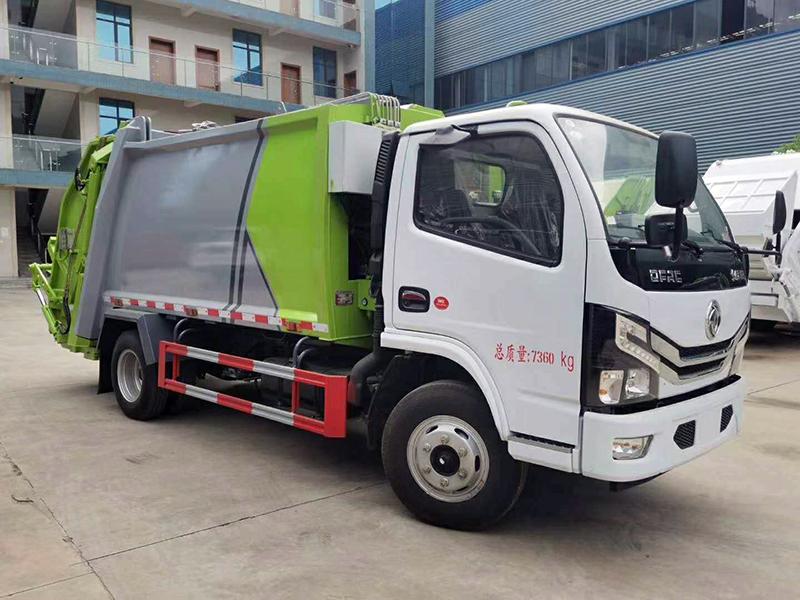 东风压缩式垃圾车-1