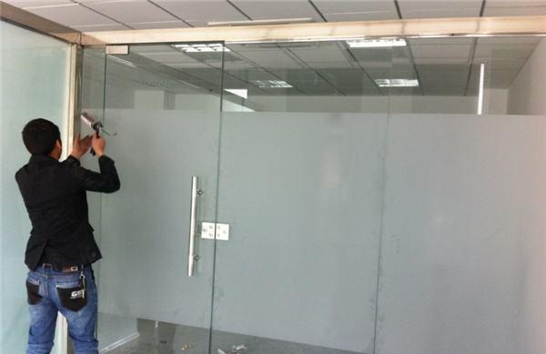 玻璃隔斷維修