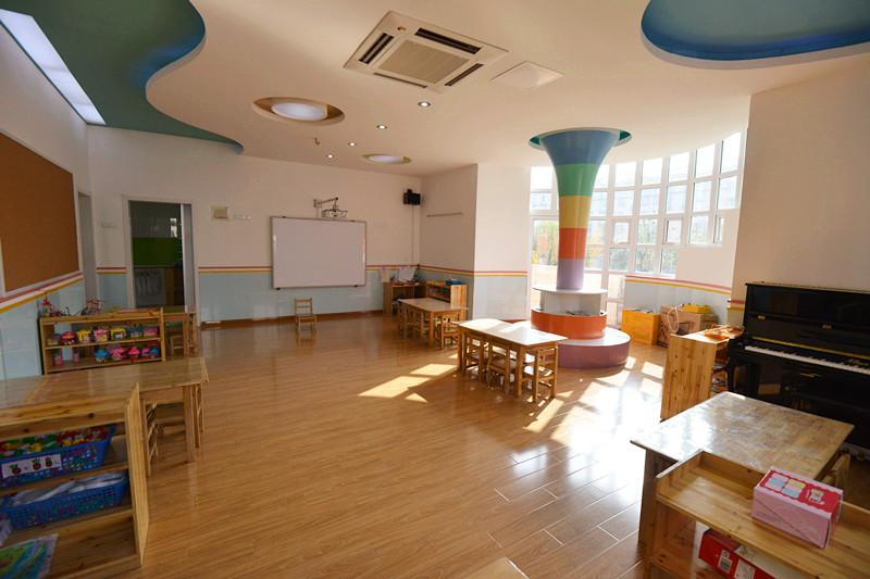大方寬敞的教室