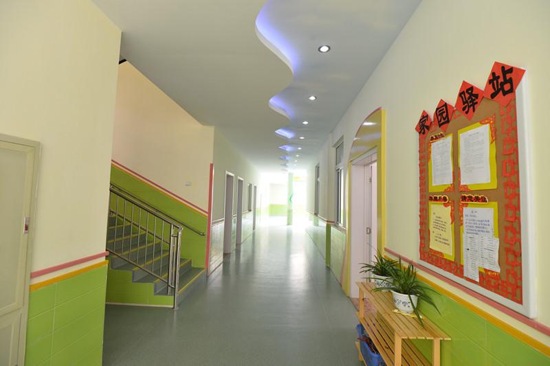 潔凈寬闊的走廊