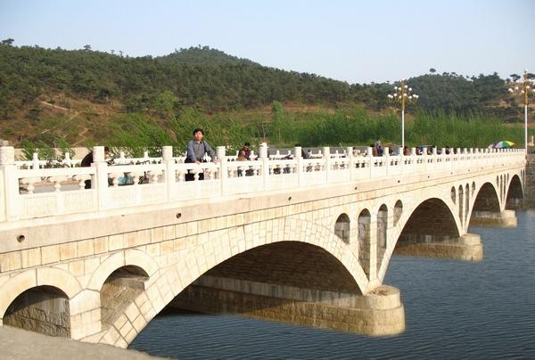 0977918_青龙集贸市场桥