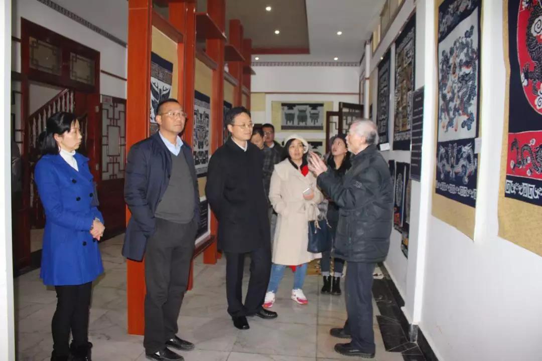市委常委、市人民政府副市长胡金武赴亚搏直播平台app、福远亚搏直播平台app艺术馆调研