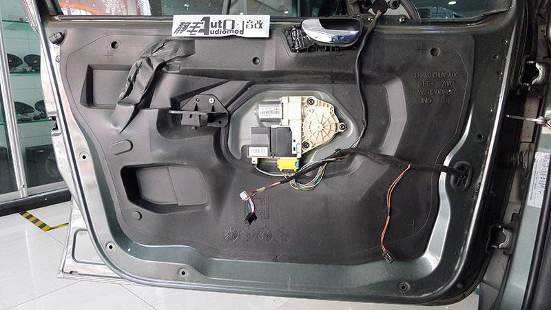 昆明标致307改装美国jbl760套装