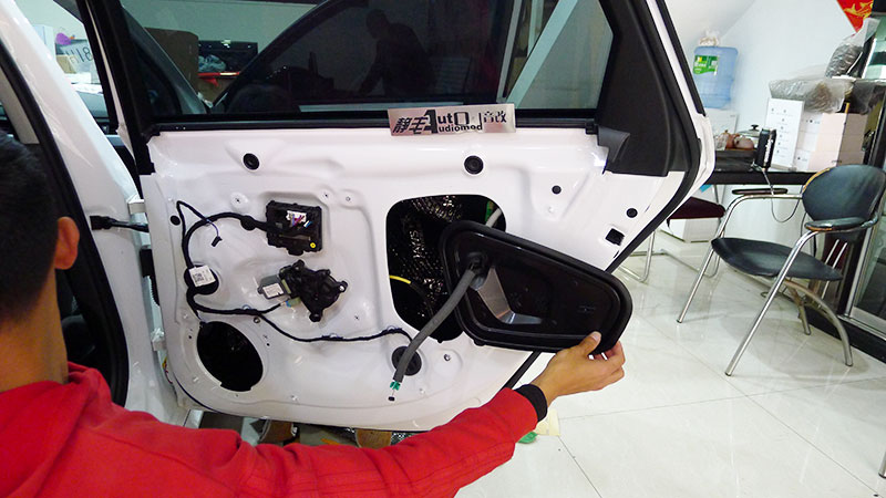 昆明汽车音响改装诗芬尼S30中置