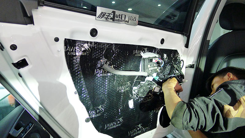 汽车音响改装诗芬尼S62MA90.2功放