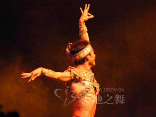 孔雀舞者1