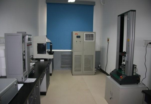 力學性能測試室照片