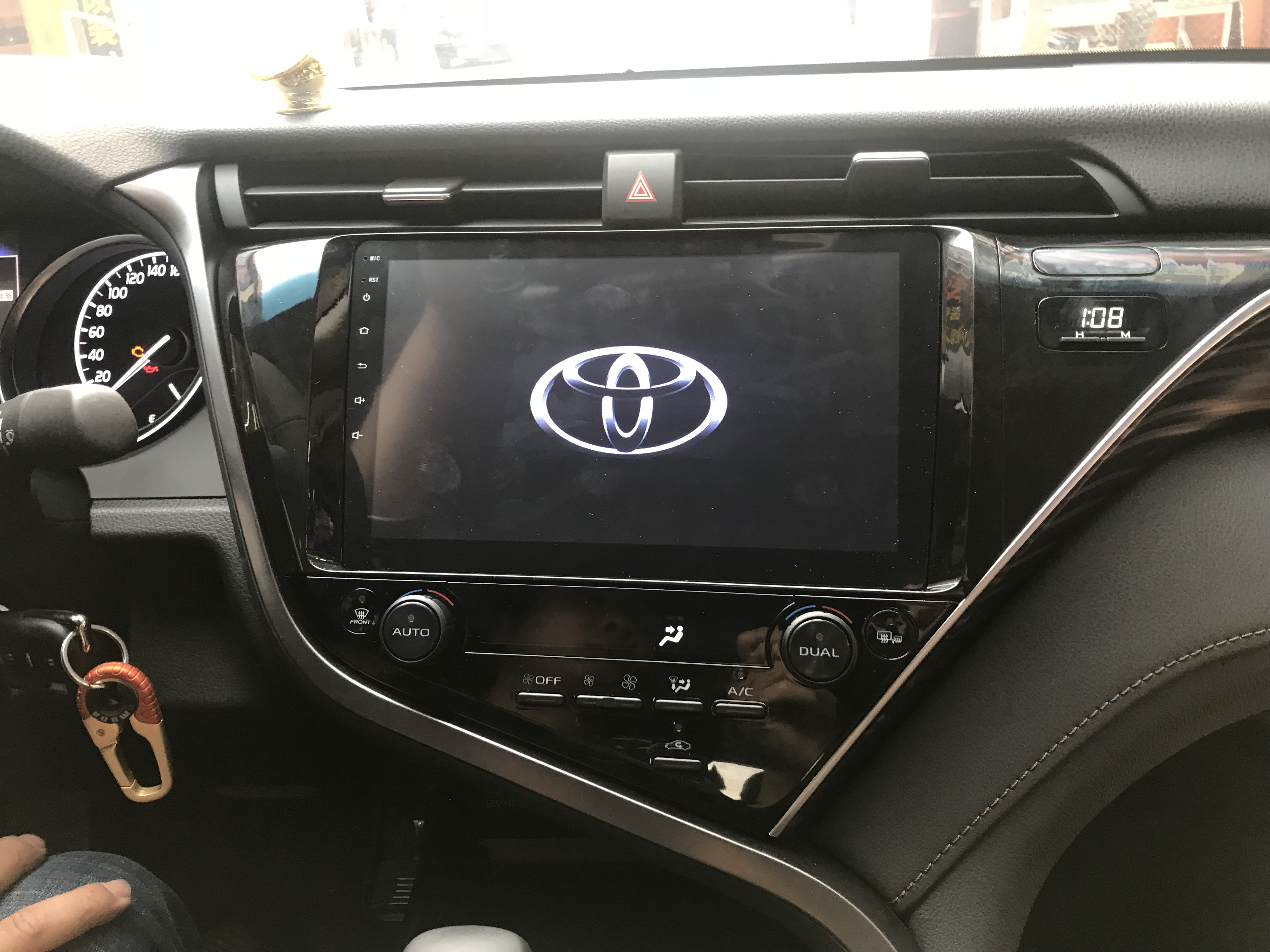 18款丰田凯美瑞安卓智能互联网大屏导航
