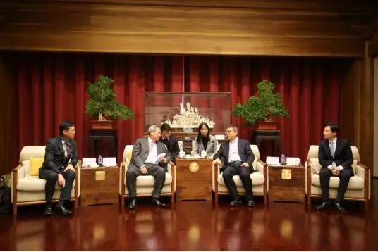 张曦、王波会见泰国客人