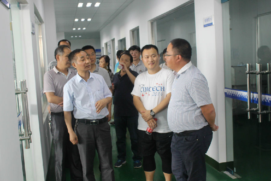合肥学院部分老师在杨本红老师带队下来司调研