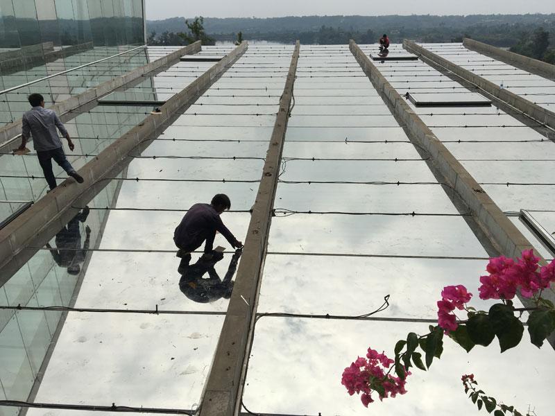 玻璃顶隔热膜_天顶玻璃隔热膜_黑龙滩洲际酒店二期