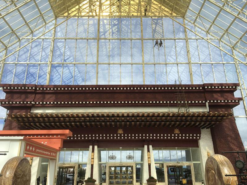 幕墙玻璃隔热膜_玻璃防晒隔热膜_拉萨洲际饭店