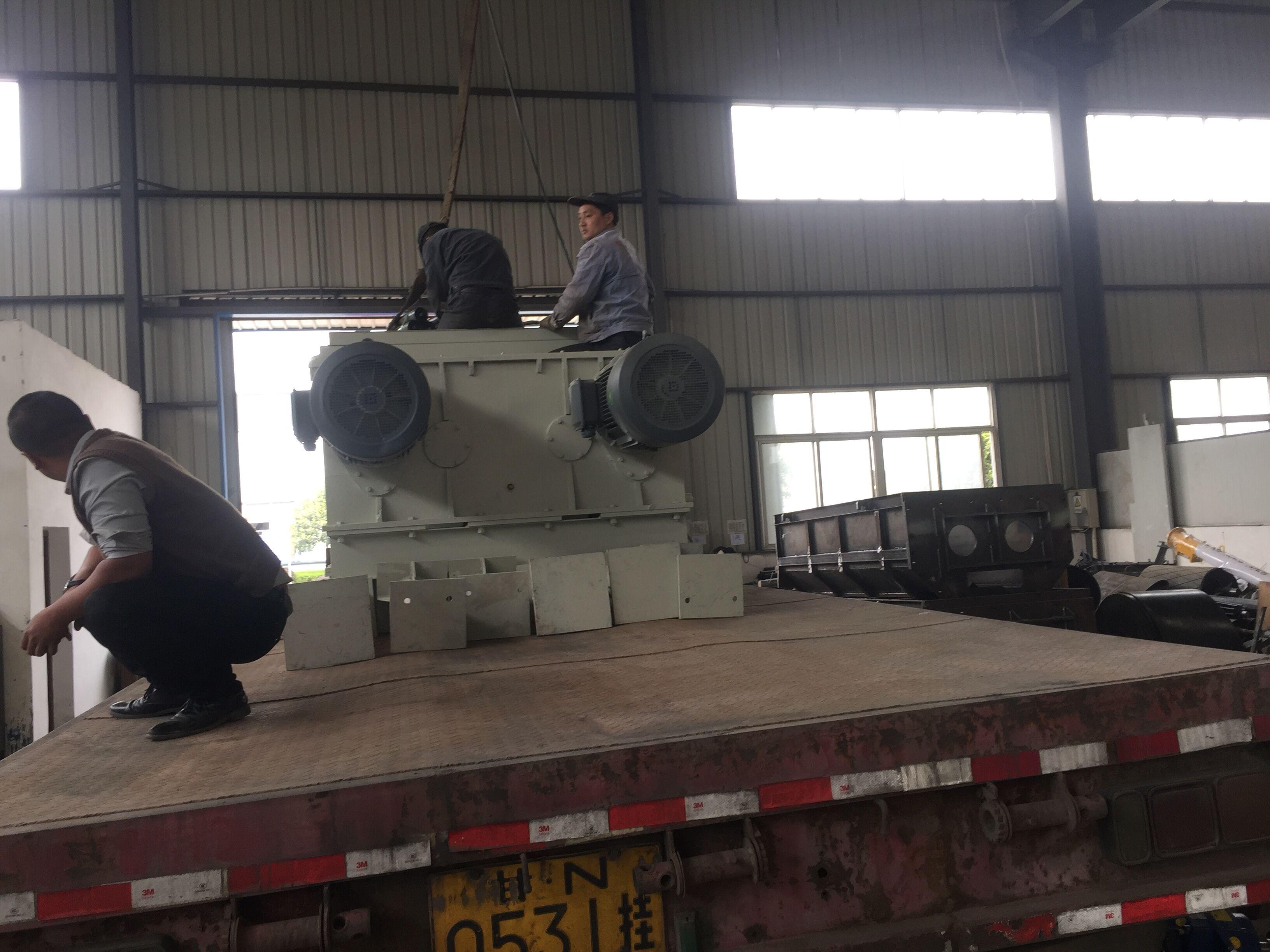 设备搬迁_重型设备搬运公司