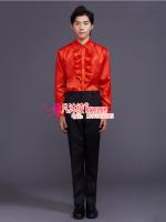 红色花边衬衣黑西裤