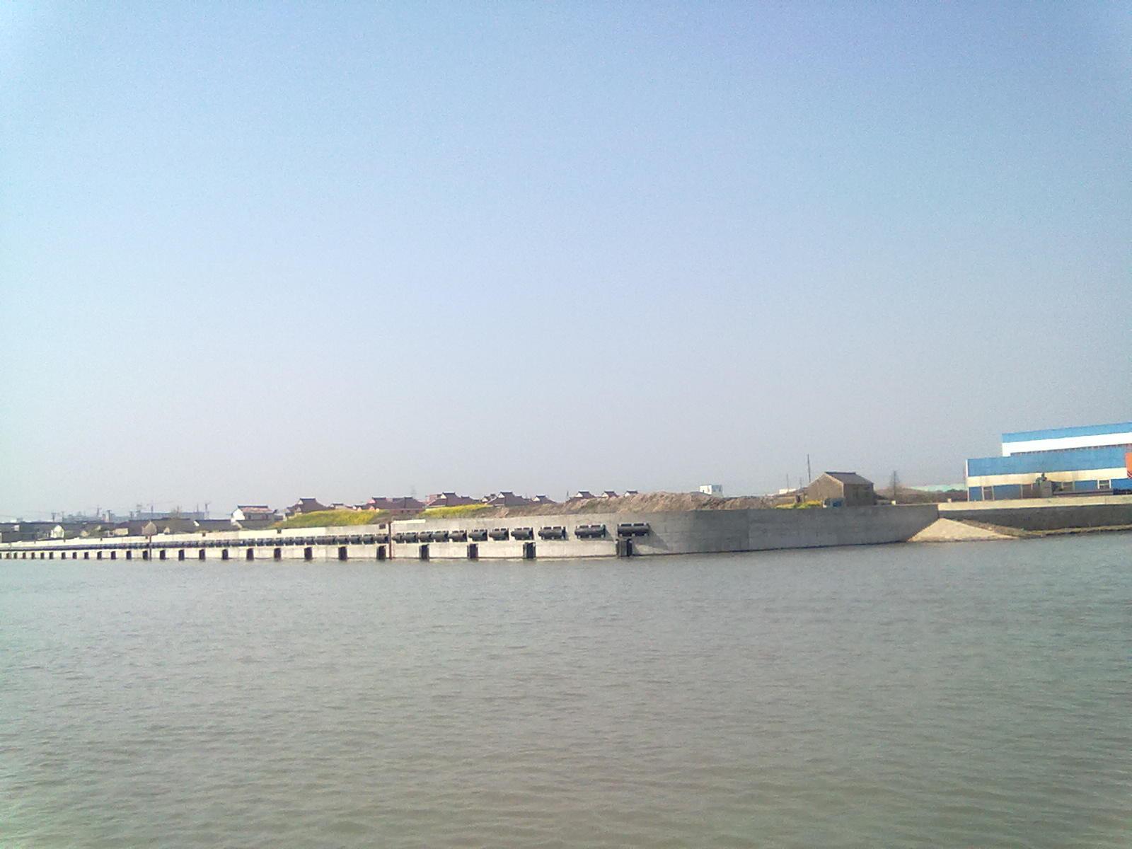 卤汀河驳岸工程