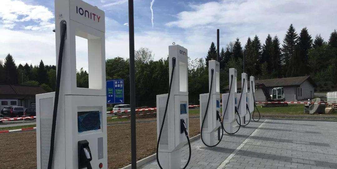 山东:2022年底前公共停车场充电车位不低于15%