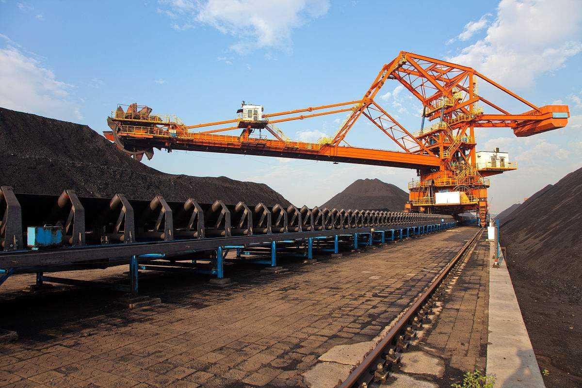 去产能见成效 煤炭生产企业户均产量5年增长72.8%