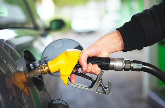 """国内油价继续""""5元时代""""本轮国内油价不调整!"""