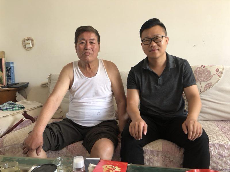 万博maxbetx官网app下载副总裁刘金华代表党委走访看望老党员王信