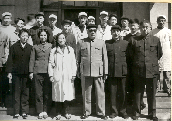 1964年3月国务院副总理陈毅莅厂视察-左四