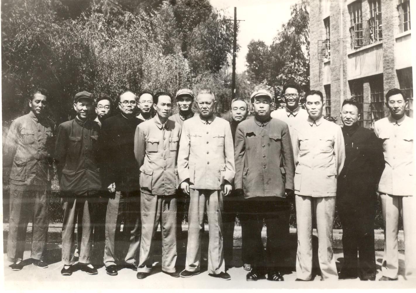 1964年9月国务院副总理李先念视察万博max登陆