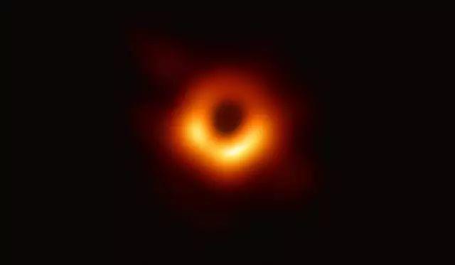 史上首张黑洞照片