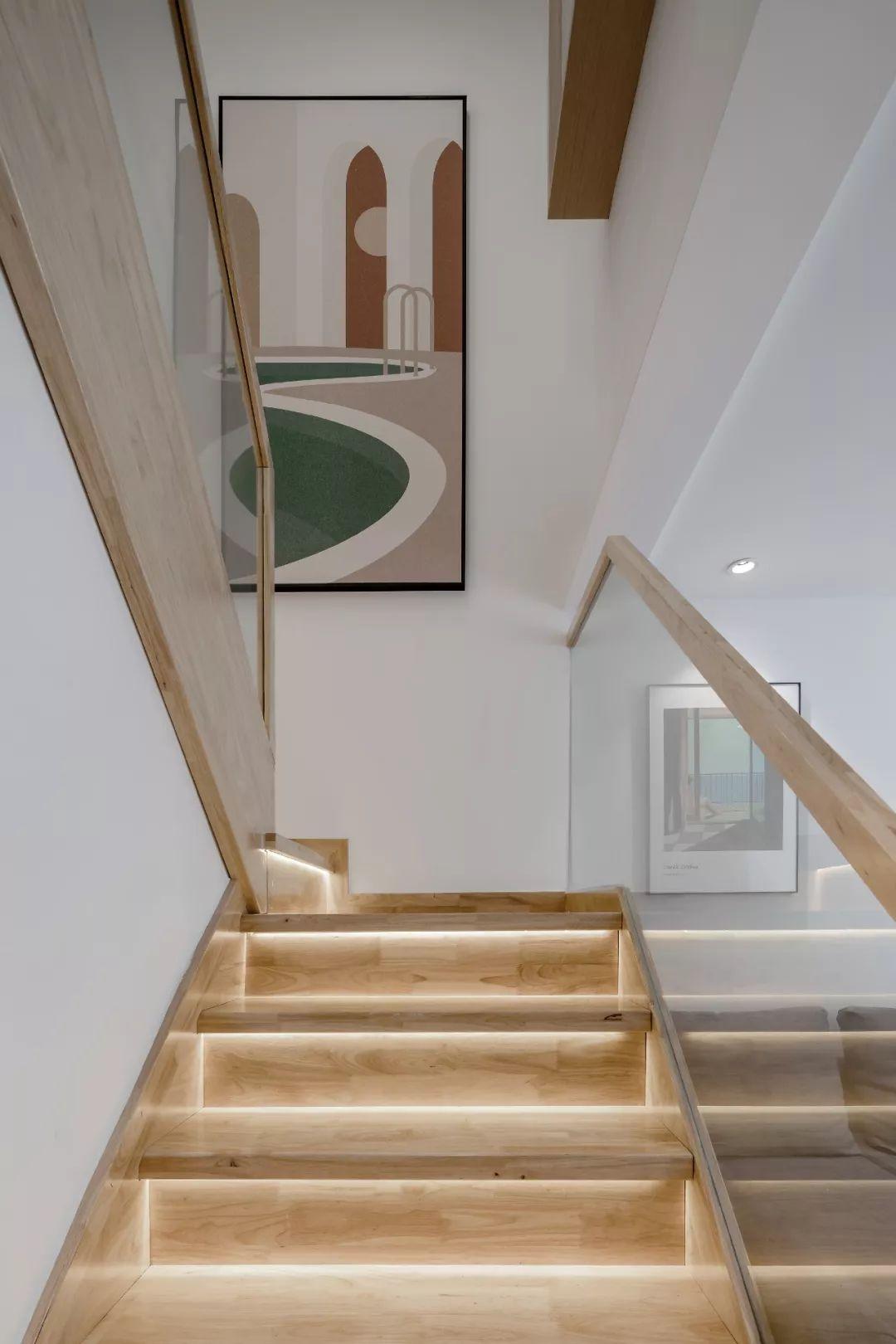 36㎡簡約風躍層單身公寓,過道加入收納柜更實用!-12