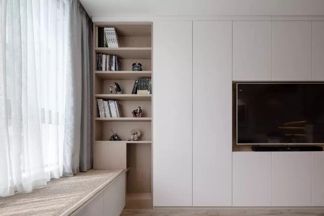 36㎡簡約風躍層單身公寓,過道加入收納柜更實用!-7