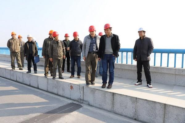 王威检查丹江口大坝加高工程安全生产工作