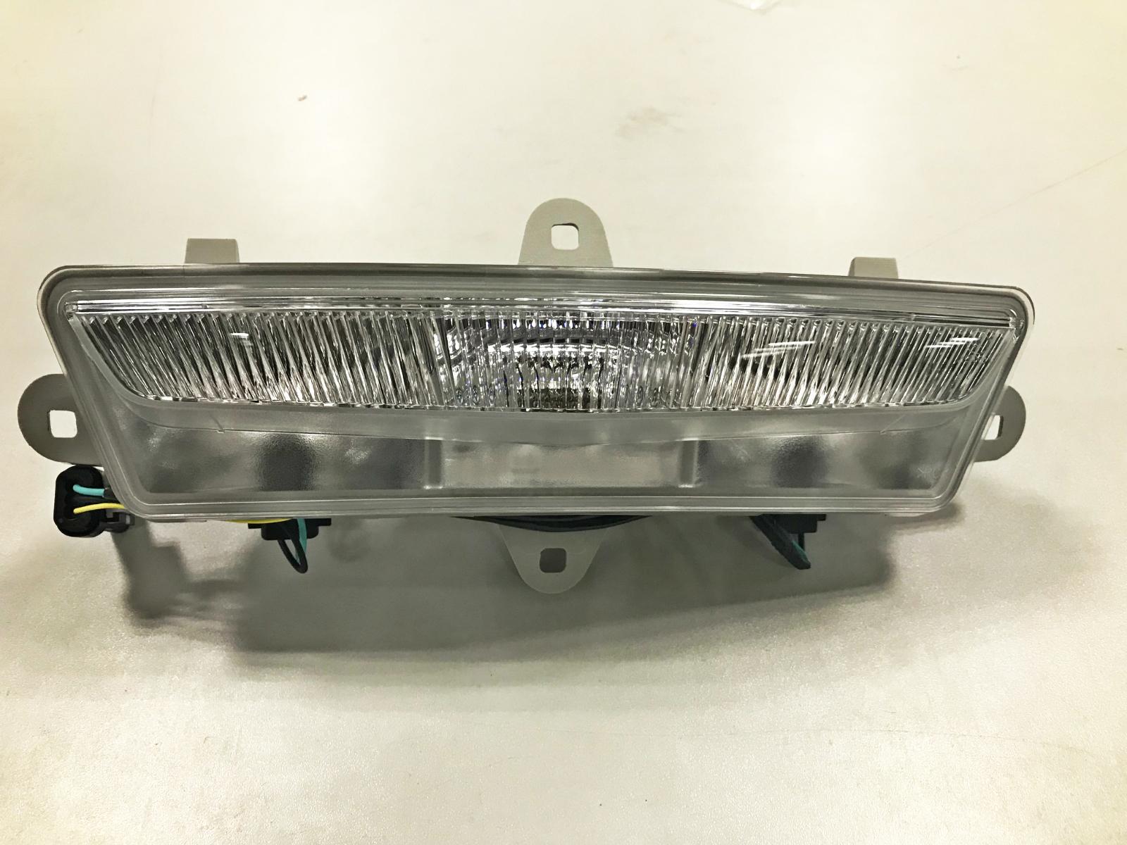凱迪拉克A102倒車燈