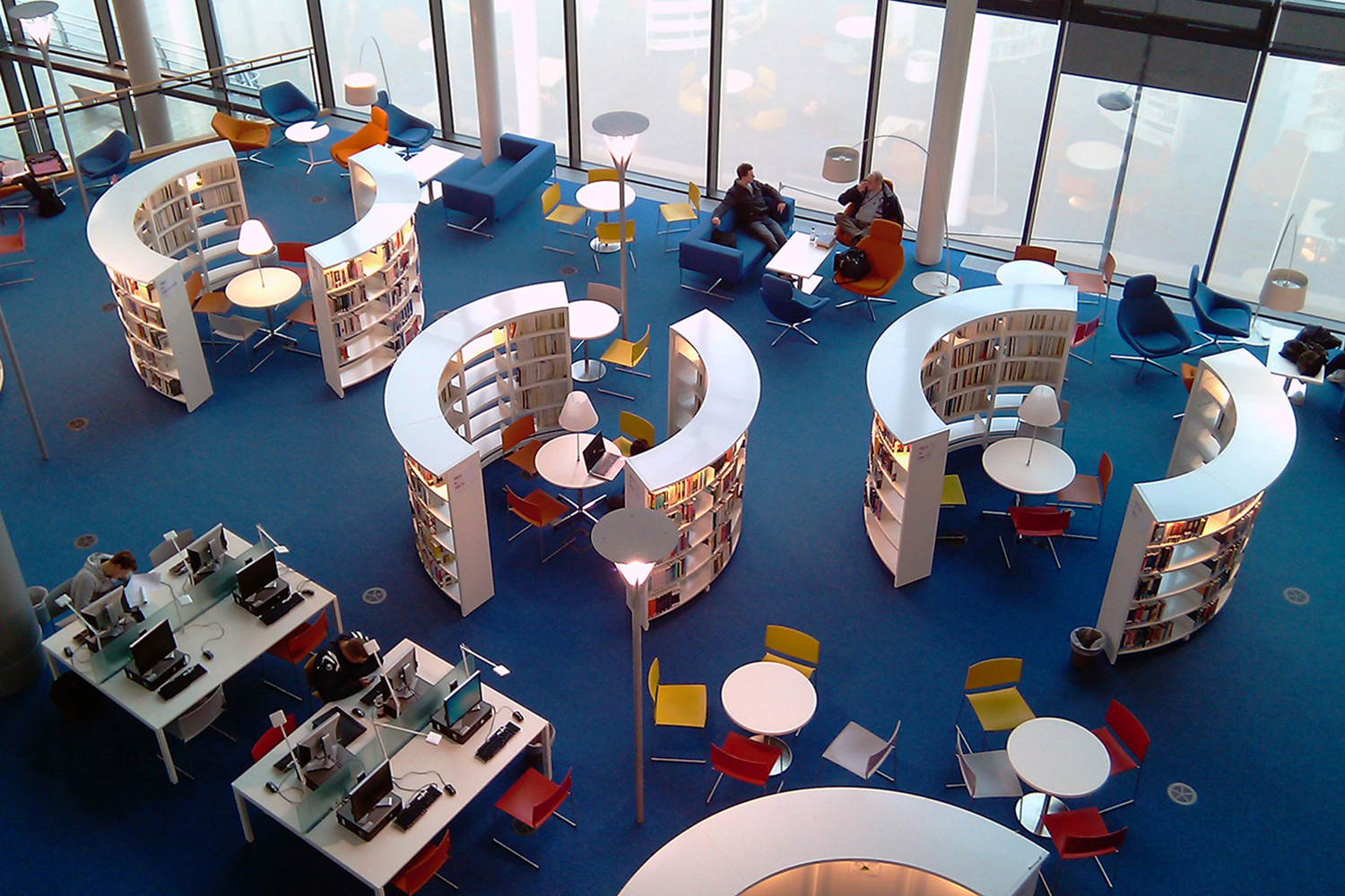 16_newport_university_library_uk_001
