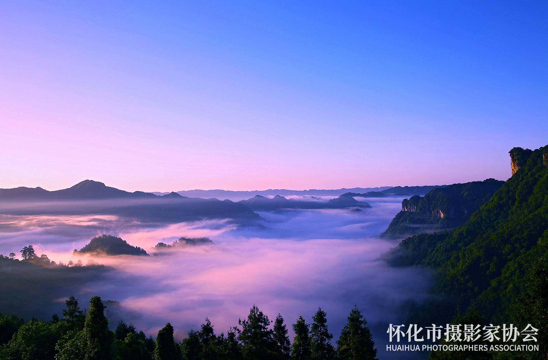 《雾锁借母溪》刘科