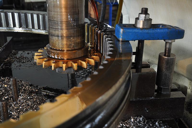 YK51160型數控插齒機,適應大批量粗、精加工,尤其是內外圓柱齒輪的加工