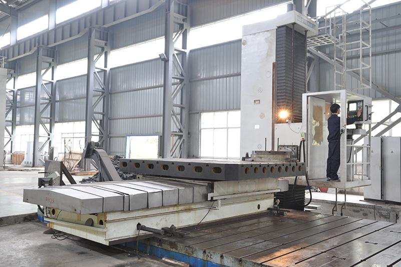 數控鏜銑床--TK6916型高精度數控落地銑鏜床,選用西門子840D數控系統.