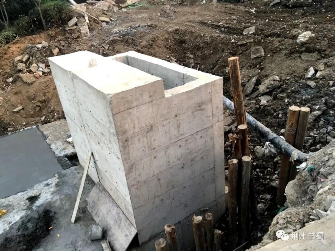 315.豉湖路桥西侧的新建排污口