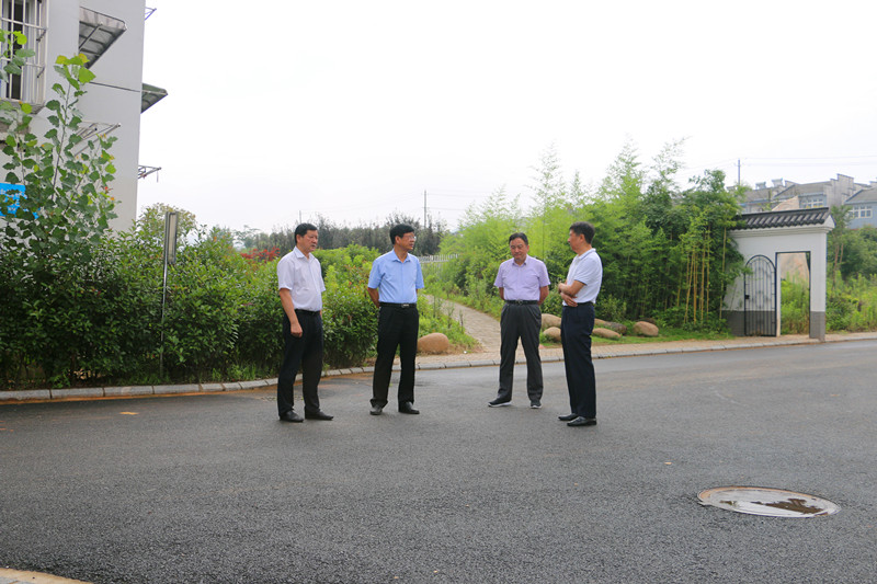 省農墾集團公司領導專題調研茶業集團 職工保障工作