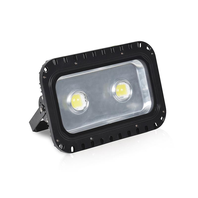 LED隧道灯100W120W