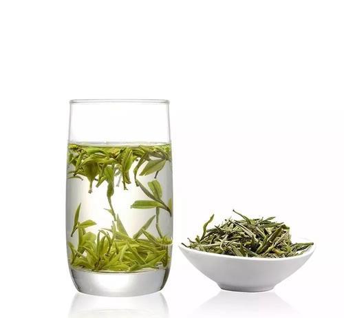 綠茶沖泡前的形狀圖片