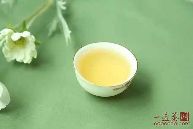 潤元昌7烏金號青餅普洱茶