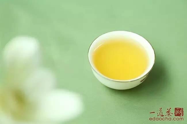 潤元昌8烏金號青餅普洱茶