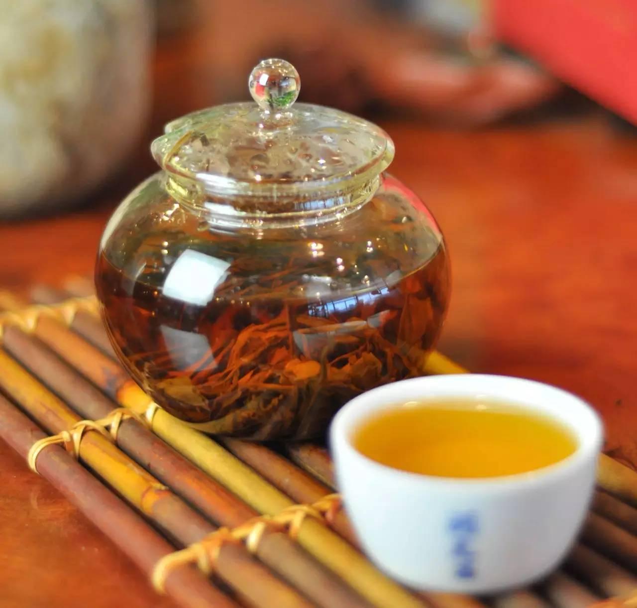 云南古樹茶圖片