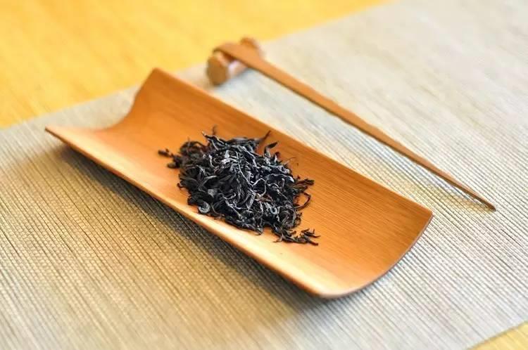 2016年野生古樹紅茶圖片