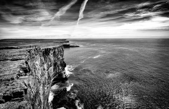 black-and-white-landscape-photogaphy-coast