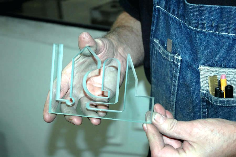 水切割玻璃