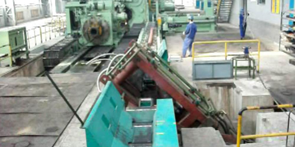河冶科技-1100T液壓剪