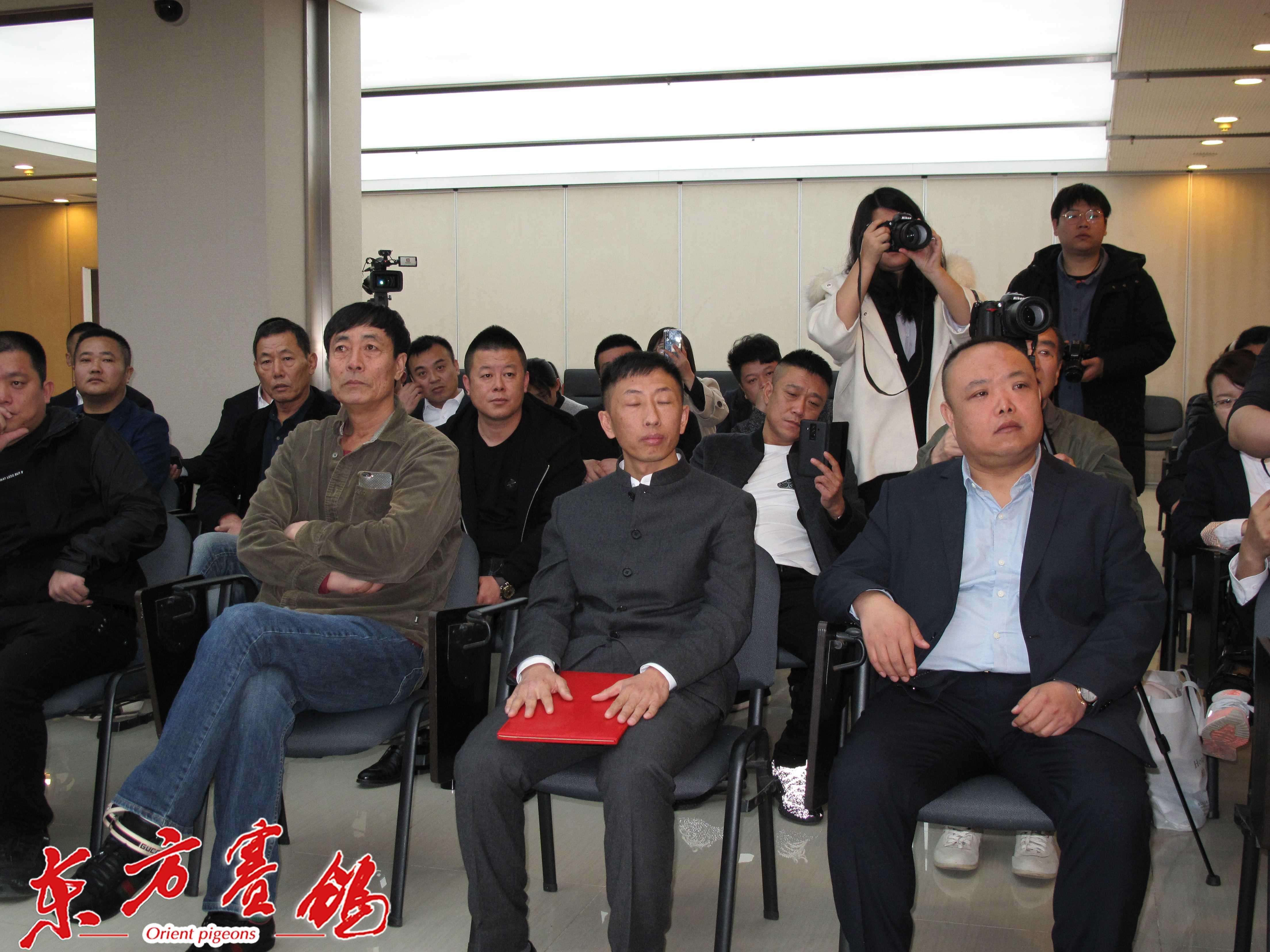 29、天津鸽友崔金祥、胡本传人王瑞青、开尔公棚总经理张强。