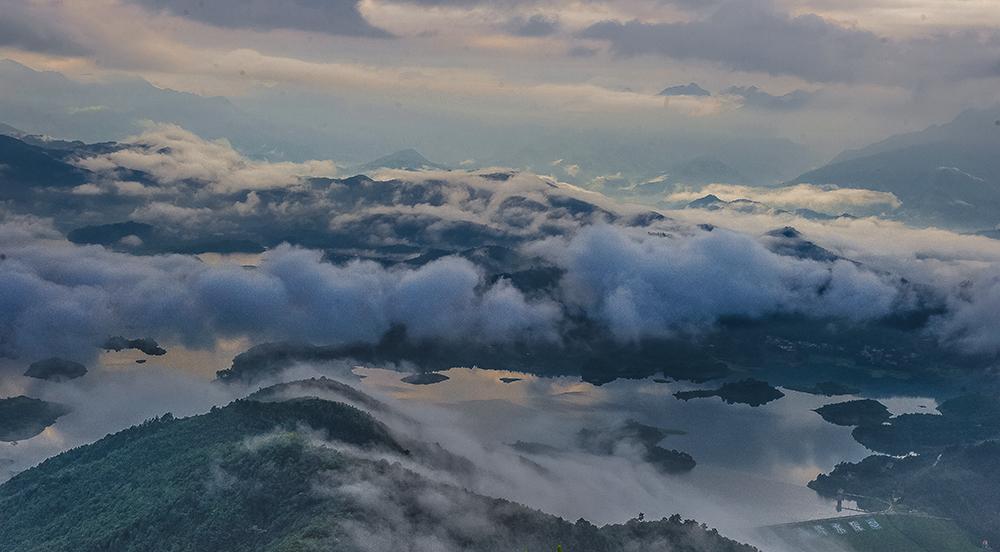 云霧山中張大進攝影13517705701