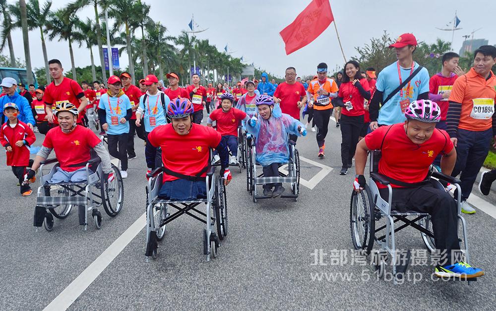 羅盛作品-輪椅上的角逐-港口區北部灣大道-羅盛-15807709889