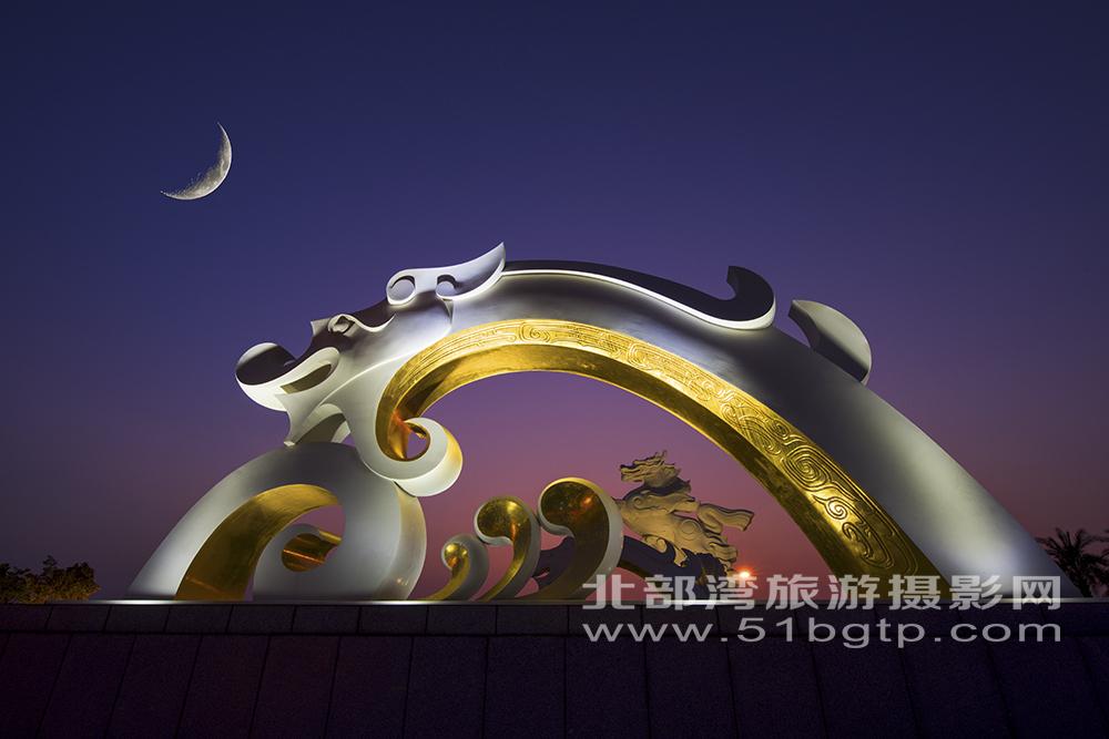 《龍馬精神》-黃雪娟拍攝于防城港市龍馬廣場13807704333-